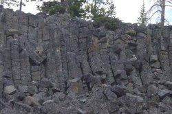 Columnar basalt at Sheepeater Cliff in