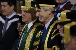 Chancellor Sir Crispin Tickell (left), Vice-Chancellor Professor David Melville (right)