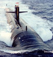 Laminar and turbulent water flow over the hull of a submarine